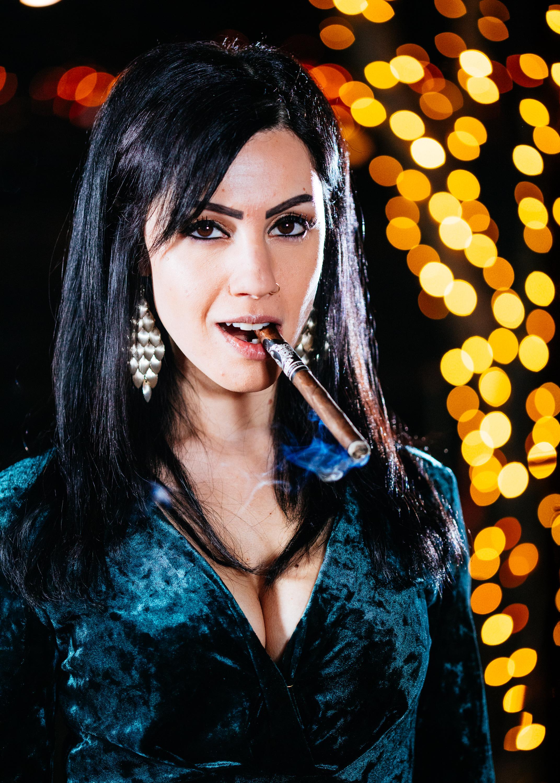 Anita & Cigar-3